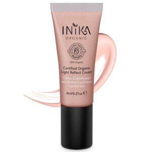 ONTS Προϊόντα Φυσικού και Βιολογικού Μακιγιάζ INIKA Certified Organic Light Reflect Cream Βιολογικό Υγρό Highlighter. Πολυχρηστική σύνθεση που δεσμεύει και ανακλά το φως, με φυσικά ορυκτά πιγμέντα και mica. Φωτίζει το δέρμα προσδίδοντάς του απαλή λάμψη. Εμπλουτισμένη με Aloe Vera, θρέφει και ενυδατώνει το δέρμα, προσφέροντάς του βιταμίνες και αντιοξειδωτικά.