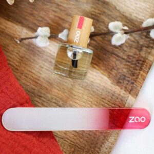 ONTS Φυσικά και Πιστοποιημένα Βιολογικά Προϊόντα Περιποίησης Προσώπου και Σώματος. Zao Nail - Glass Nail File: H γυάλινη λίμα νυχιών από τη ΖΑΟ είναι σχεδιασμένη ακόμα και για τα πιο εύθραυστα νύχια. Zero Waste.