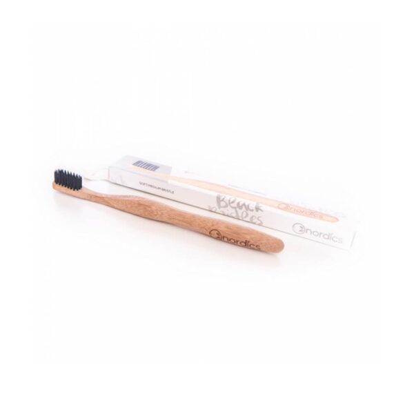 Nordics Toothbrush Οδοντόβουρτσα λεύκανσης από αδιάβροχο Bamboo με μαύρες ίνες από Άνθρακα